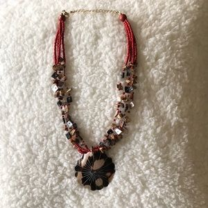 Jewelry - Shell Statement Necklace